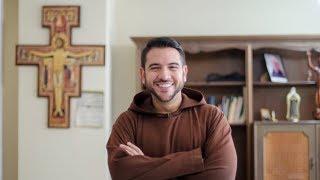 Chuyện lạ bốn phương: Linh mục Venezuela dâng lễ thu hút như siêu sao ca nhạc hát