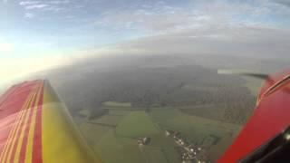 preview picture of video 'Chalon-sur-Saône vu du ciel, approche et atterrissage à Chalon Champforgeuil LFLH'