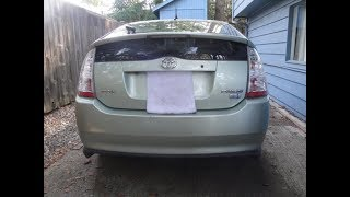 Toyota Prius w/Dead 12 volt Battery / How to Open the Hatch & Jump Start