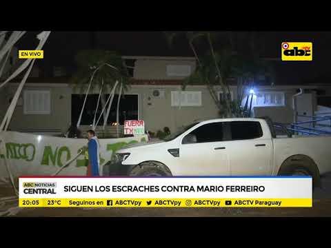 Siguen los escraches contra Mario Ferreiro
