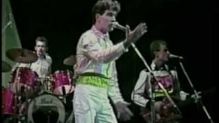 "1981 SPLIT ENZ LIVE ""I DON'T WANNA DANCE"" ""ONE STEP AHEAD"""