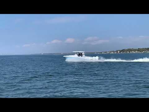 Twin Vee 280CC GFX video