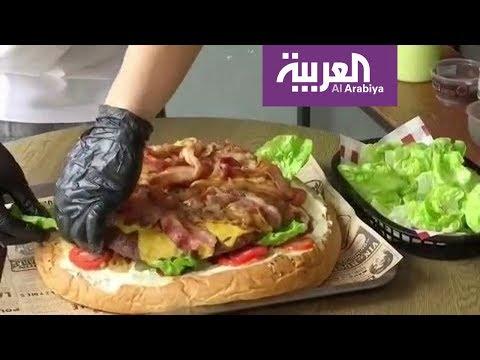 العرب اليوم - باحثون أميركيون يحذرون من تناول الطعام باليد