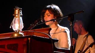 "Bat For Lashes ""Travelling woman"" live au Trianon de Paris 2012"