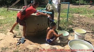 FUNNIEST SHAMPOO PRANK| FUNNY GIRL PRANKS HER FRIEND WITH SHAMPOO IN MY VILLAGE PART 1|Khmer Recipes
