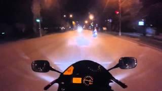 В Волжском на дороге разбился мотоциклист и его пассажирка