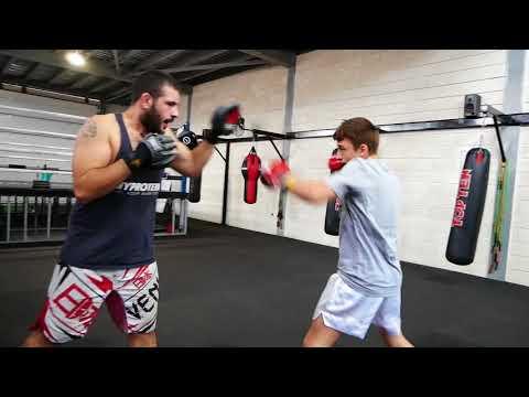 Kickboxing training part 1 - YouTube