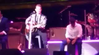 Chris Isaak in Nashville I can't help falling in love with you 9-16-2018