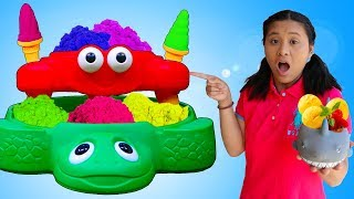 Funny Aunties and Uncle Selling Sand Ice Cream & Animals Toys