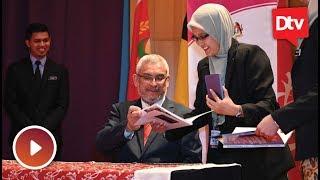 Khalid Samad lancar buku '365 hari' sebagai menteri