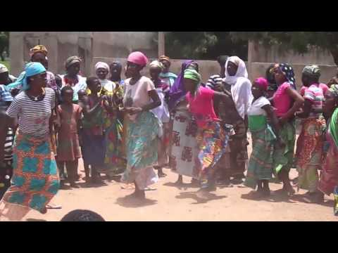 Download African women dancing (Ghana - West Africa) HD Mp4 3GP Video and MP3