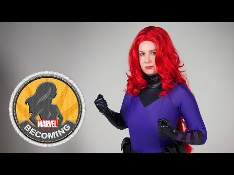 Cosplayer Mary Cahela becomes Medusa
