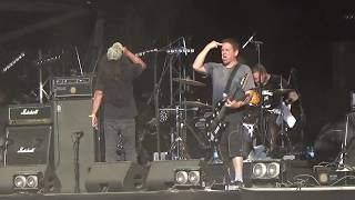 D.R.I. - Live @ Hellfest 2017 (I don't need society)