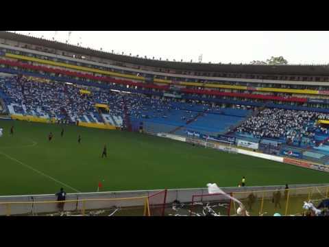 """""""Los fasistas son asi"""" Barra: La Ultra Blanca y Barra Brava 96 • Club: Alianza"""