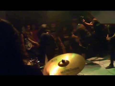 Send Me - Ilusi Kesesatan ( Live Cafe Nabila Ciracas 2013 Jakarta Timur )