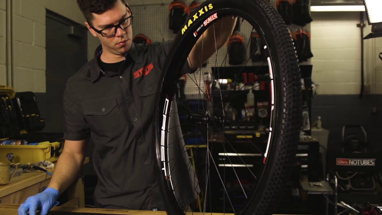 Race Sealant Install - Stan's NoTubes