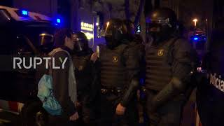 Spain: Catalan independence protesters clash with police in Barcelona