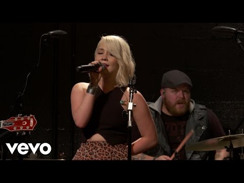RaeLynn - God Made Girls - Vevo dscvr (Live)
