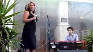 """Dan Webb & Kylie Auldist perform """"Departure"""" Live"""