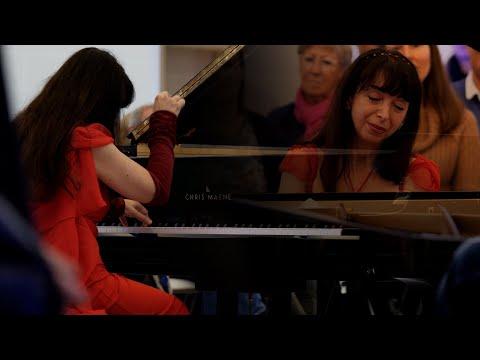 Eliane Rodrigues  Chopin - Waltz in F major Op 34 No 3