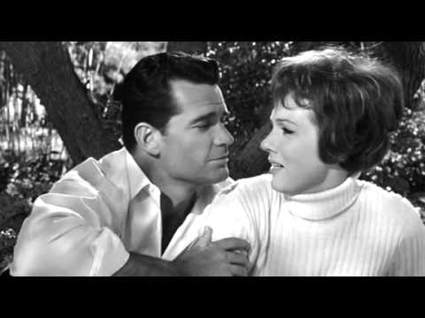 » Free Streaming The Americanization of Emily