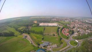 preview picture of video 'Flying over Leybourne Lakes in a Microlight'