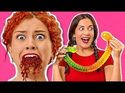 طعام الجيلي مقابل طعام حقيقي !أكل أكبر حلوى جيلي في العالم!