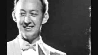 Jack Greene - She Wakes Me With A Kiss Every Morning