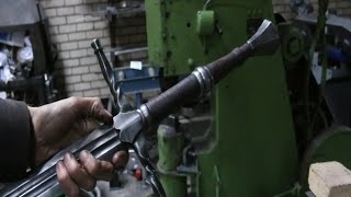 Forging a The Witcher 3 sword,  the complete movie.