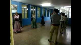 preview picture of video 'Escuela Agraria - Celebración 25 de mayo (danzas)'