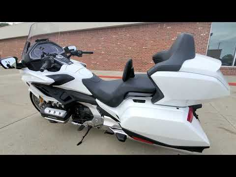 2018 Honda Gold Wing Tour Automatic DCT in Ames, Iowa - Video 1