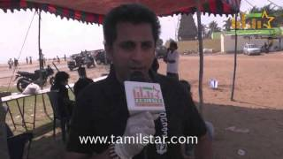 Kathir Kamal at Papparapaam Team began their movie by Cleaning the City