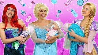 DISNEY PRINCESS PARENTS (Ariel, Rapunzel, Belle, Elsa and Anna as Moms) Totally TV