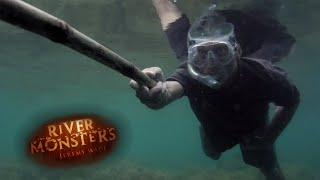 On The Trail Of A Coral Killer - River Monsters