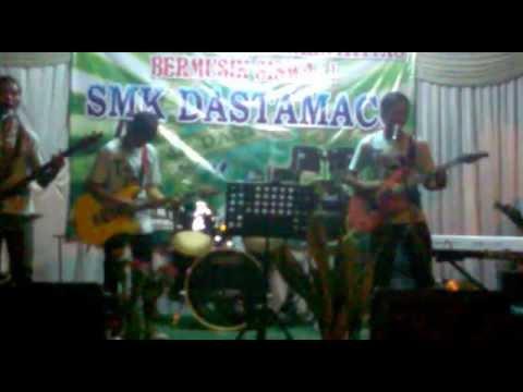 Trouble Maker - Lepaskan Diriku Live @SMK Dastamaco Bekasi