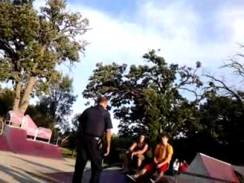 Fox lake skatepark cop yelling after fight