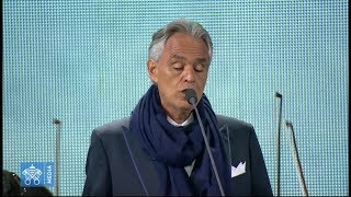 """Andrea Bocelli sings breathtaking rendition of Schubert's """"Ave Maria"""" with Celine Byrne at WMOF"""