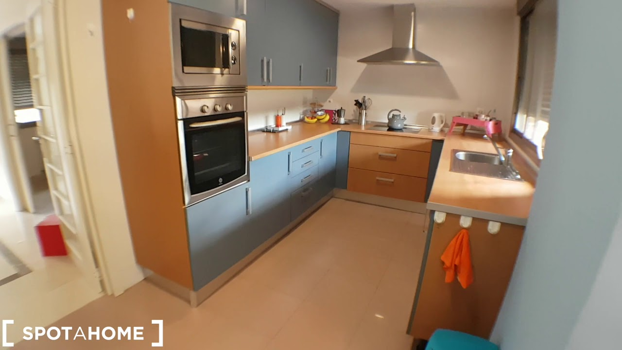 Room for rent in modern 2-bedroom apartment in Getafe