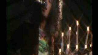 Queen - You`re my best friend (Brian & Roger talks) - Greatest video hits 1 -