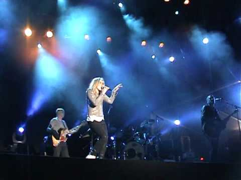 Ilse DeLange - World of Hurt [Live te Eindhoven 28 april 2011]
