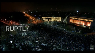 LIVE: Protests run on in Bucharest after govt. repeal corruption decree