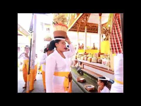 SELAT-ABIANSEMAL--Puncak-Karya-Piodalan-Pura-Pucak-Alasarum-Desa-Selat.html