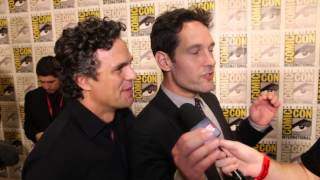 After the Panel: Mark Ruffalo & Paul Rudd Share Their Admiration of Lou Ferrigno at Comic-Con 2014