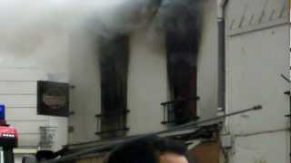 preview picture of video 'incendie rue de Paris  angle beaumarchais à Montreuil juin 2012'
