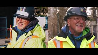 Construction Guy Can Actually Sing