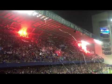 """Sale el Bombillo / Final 2017 / Emelec vs Delfín"" Barra: Boca del Pozo • Club: Emelec"