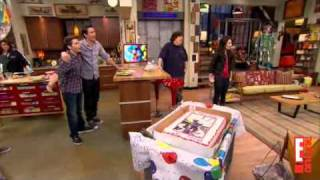 Миранда Косгров, Miranda Cosgrove Celebrates her 18th Birthday on the iCarly set