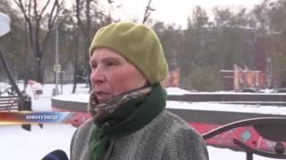 В Новокузнецке ребенок провалился в канализационный люк