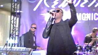 Live Performance by Taio Cruz - Dirty Picture ft. Ke$ha