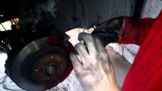 Замена передних тормозных колодок Logan 2 с вентилируемым диском LPR 05P1702
